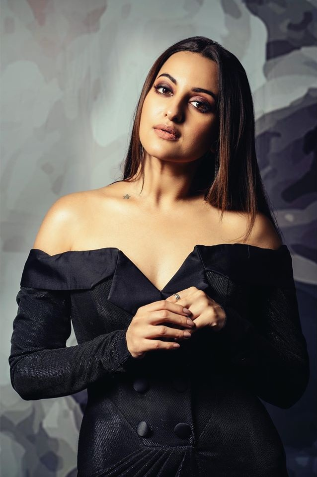 57+ Gorgeous Photos of Sonakshi Sinha 97