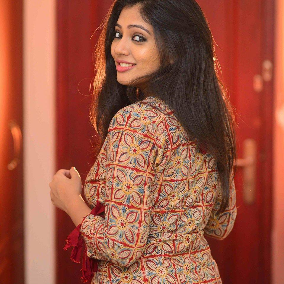 76+ Gorgeous Photos of Veena Nandakumar 70