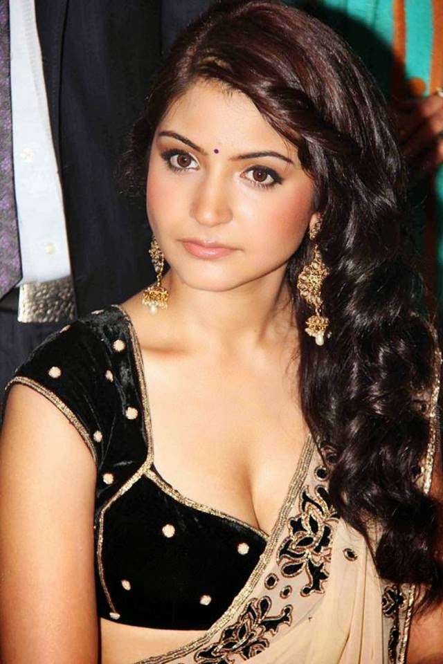 51 Beautiful Photos of Anushka Sharma 100
