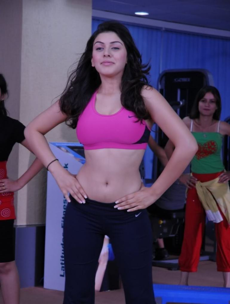 Check out these 33+ photos of Hansika Motwani 104