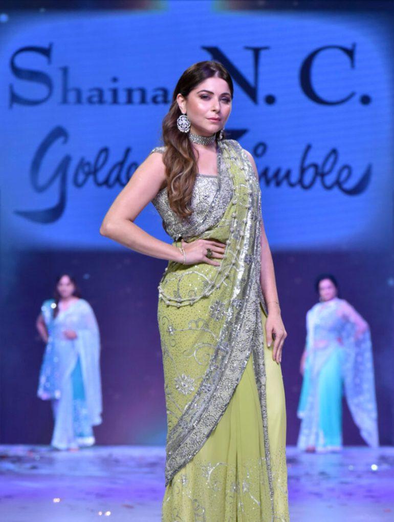 48+ Gorgeous HD Photos of Kanika Kapoor 130