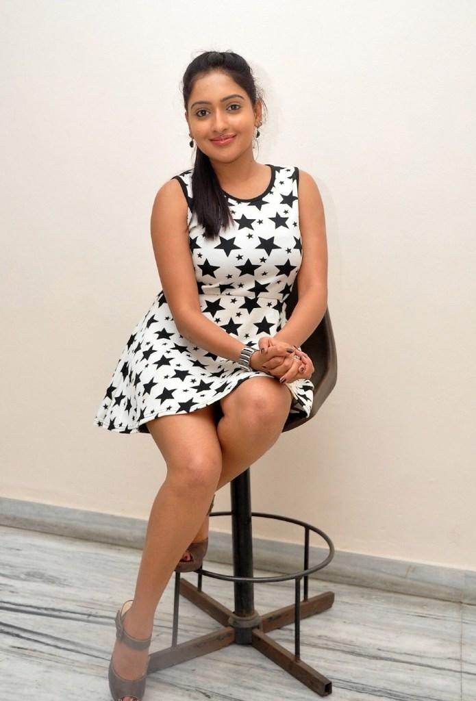 21+ Lovely Photos of Anjana Deshpande 23