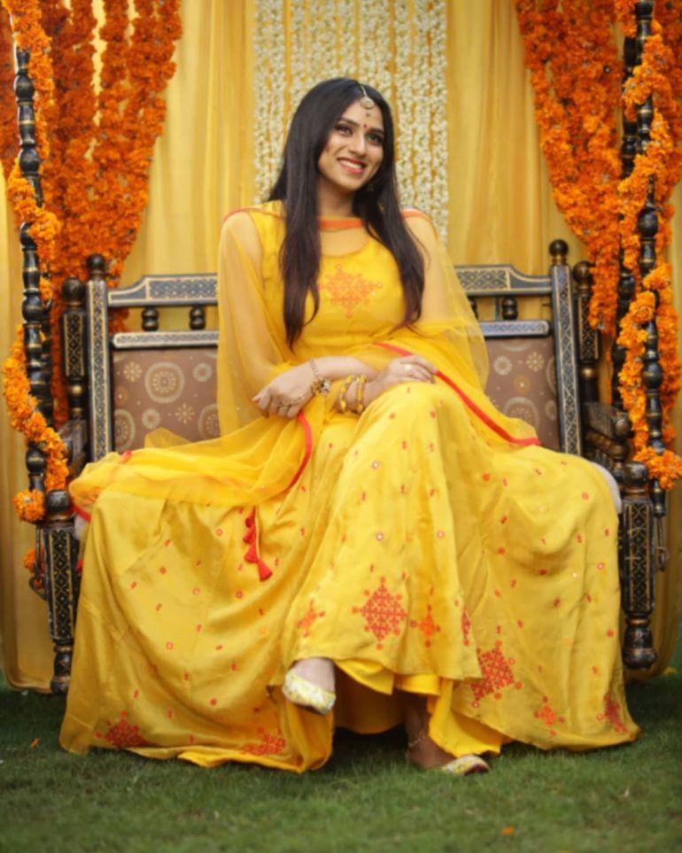 42+ Beautiful Photos of Malavika Jayaram 123