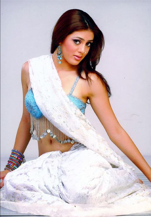 39+ Gorgeous Photos of Parvathi Melton 52