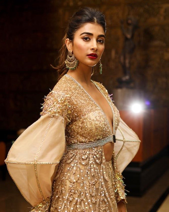 129+ Gorgeous Photos of Pooja Hegde 39