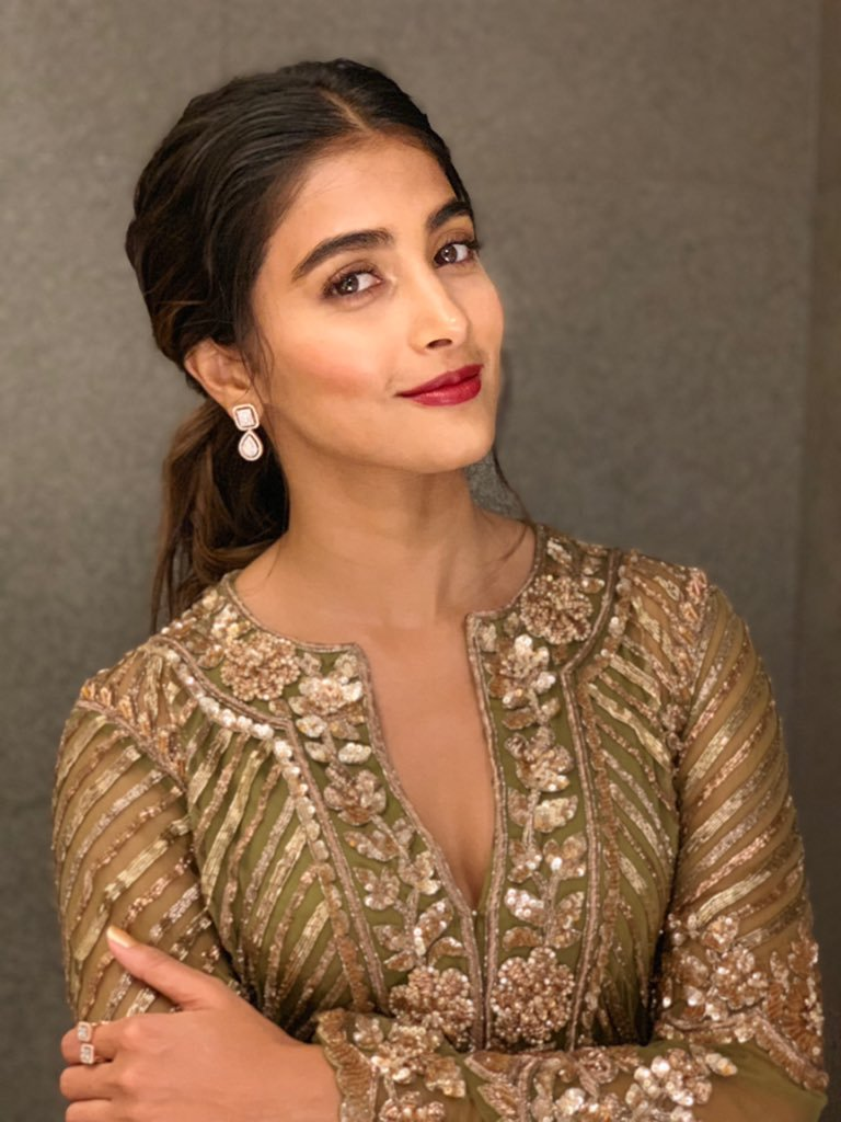 129+ Gorgeous Photos of Pooja Hegde 80