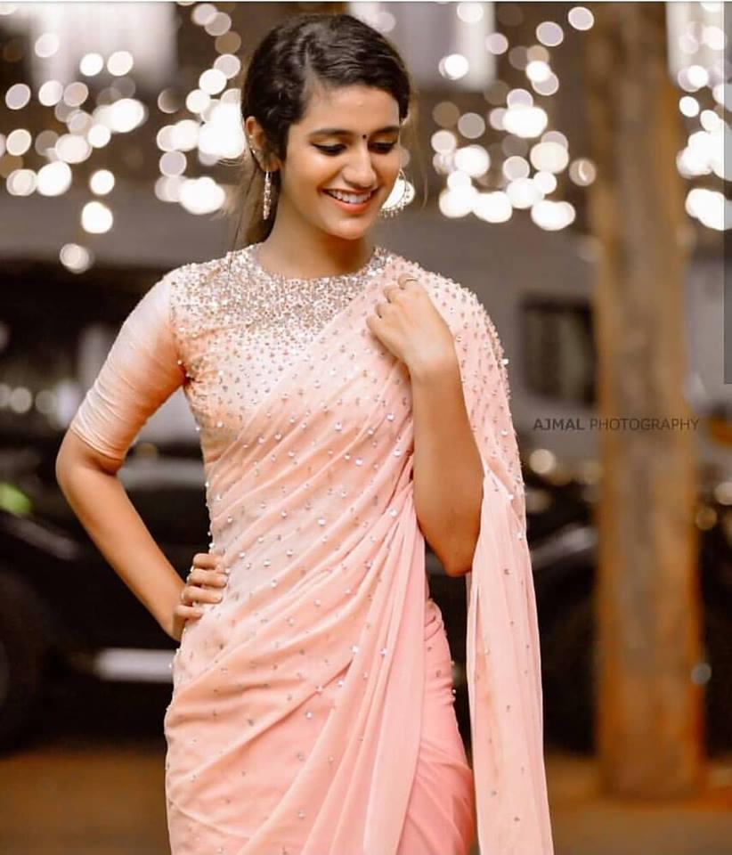 108+ Cute Photos of Priya Prakash Varrier 17