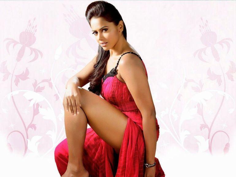 28+ Lovely Photos of Sameera Reddy 112