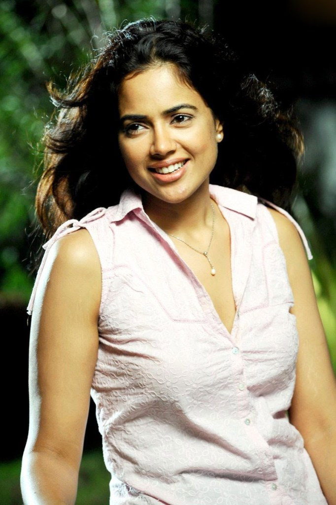 28+ Lovely Photos of Sameera Reddy 20
