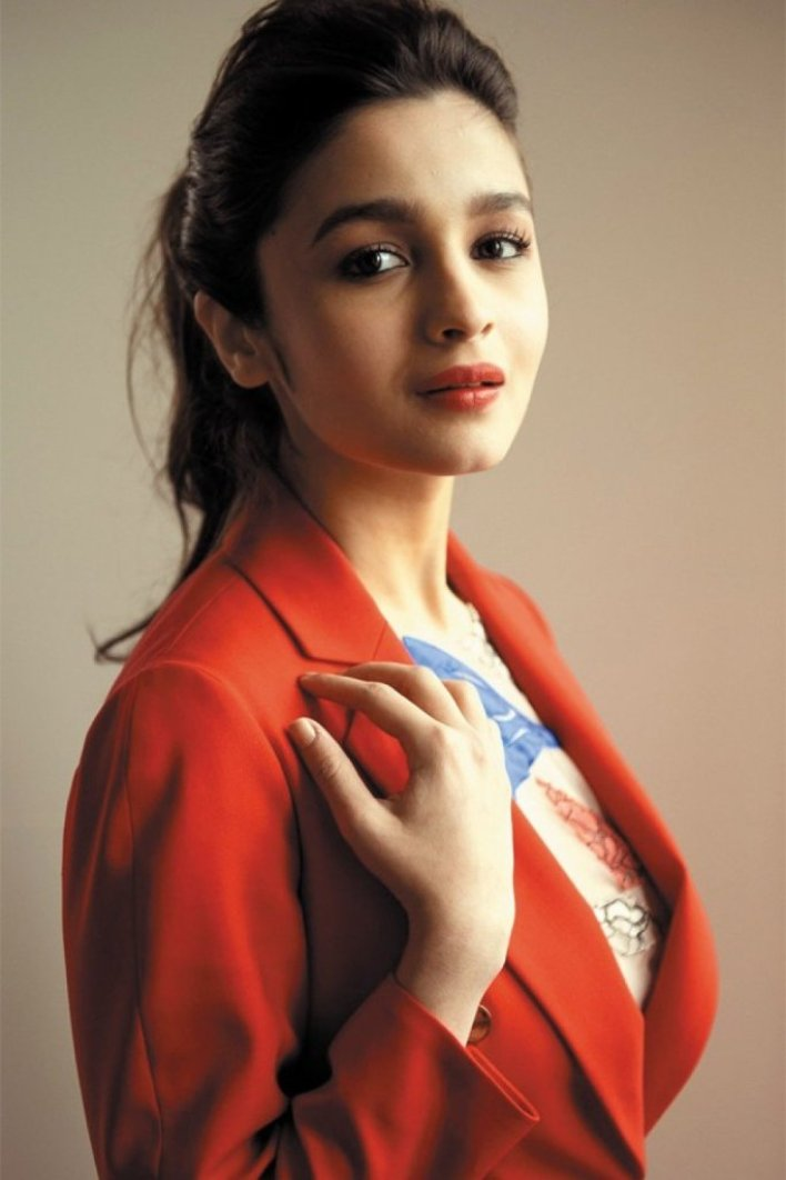 39+ Glamorous Photos of Alia Bhatt 2