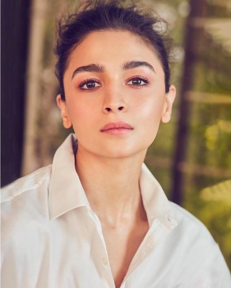 39+ Glamorous Photos of Alia Bhatt 94