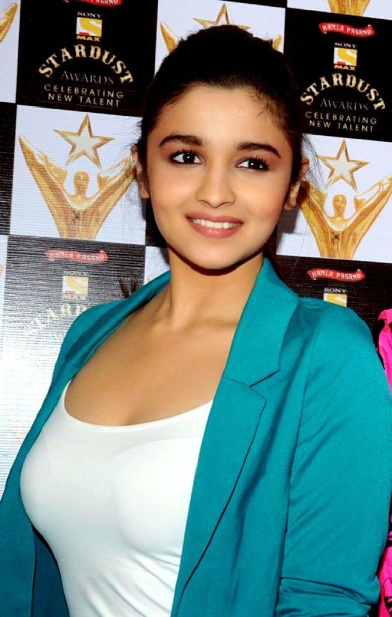 39+ Glamorous Photos of Alia Bhatt 3
