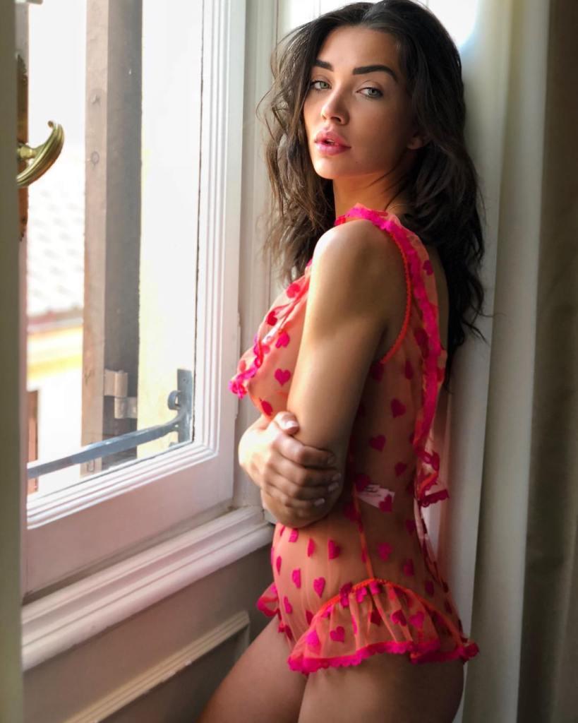 50+ Glamorous Photos of Amy Jackson 8