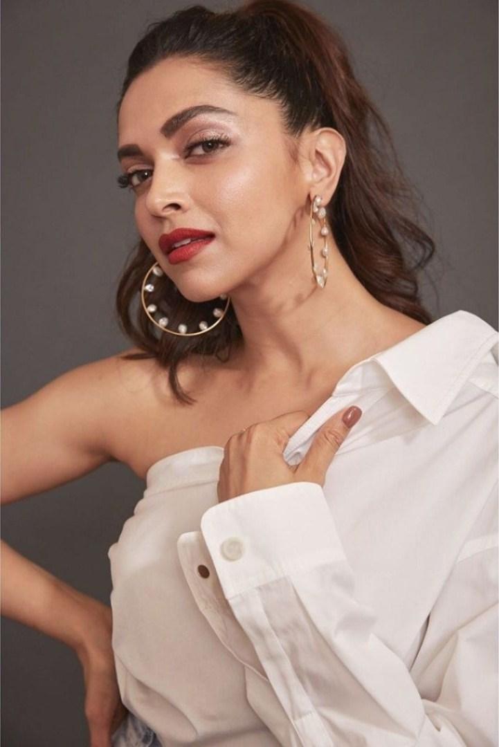 65+ Glamorous Photos of Deepika Padukone 66