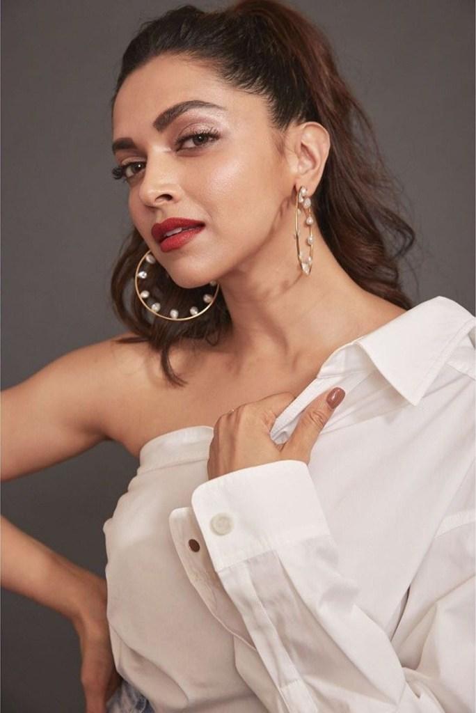 65+ Glamorous Photos of Deepika Padukone 67