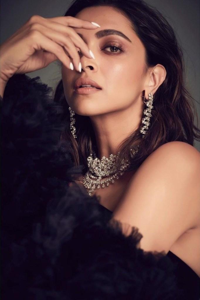 65+ Glamorous Photos of Deepika Padukone 118