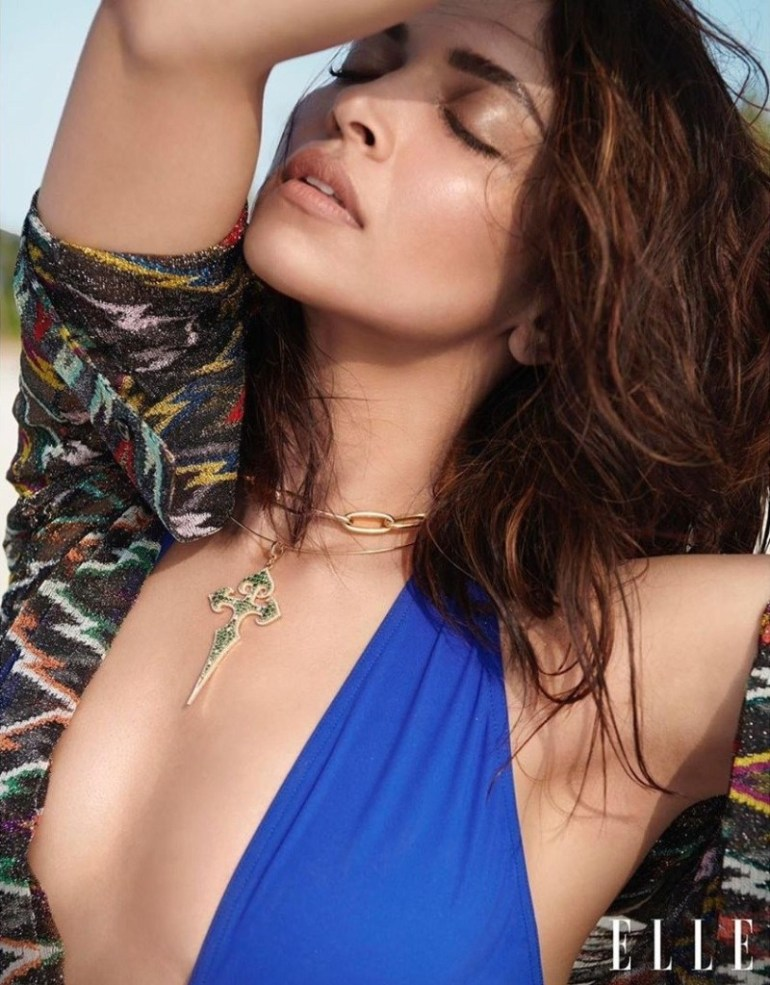 65+ Glamorous Photos of Deepika Padukone 35