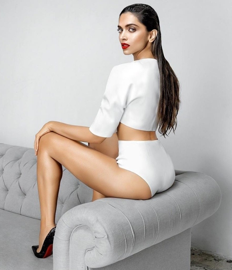65+ Glamorous Photos of Deepika Padukone 52