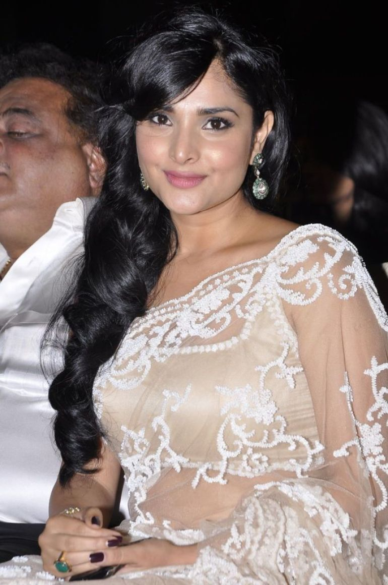 Gorgeous Photos of Divya Spandana 6