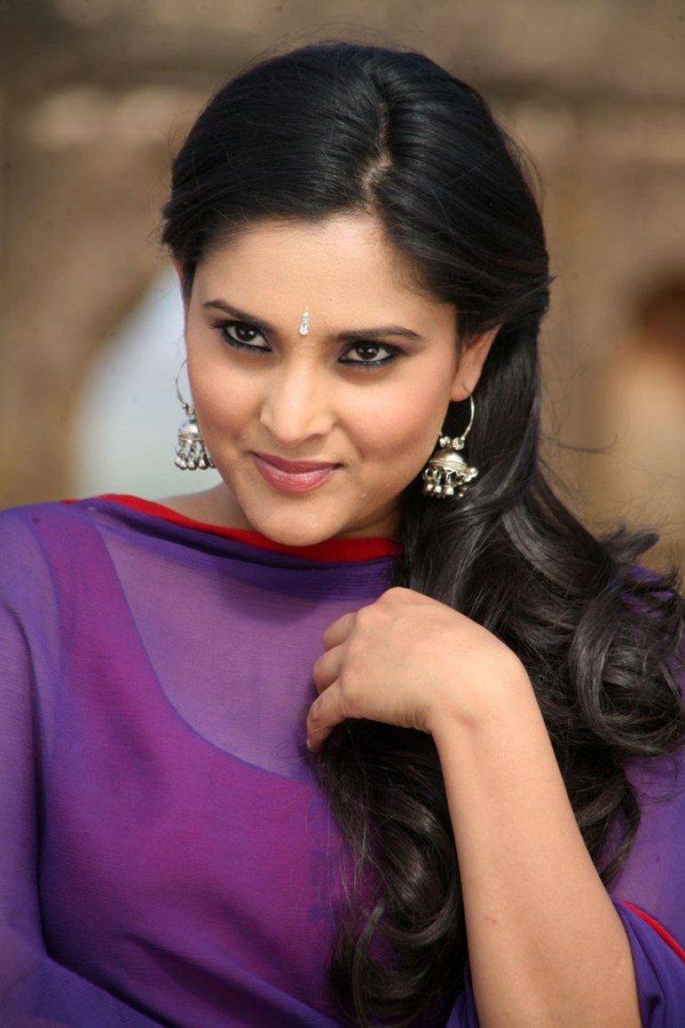 Gorgeous Photos of Divya Spandana 9