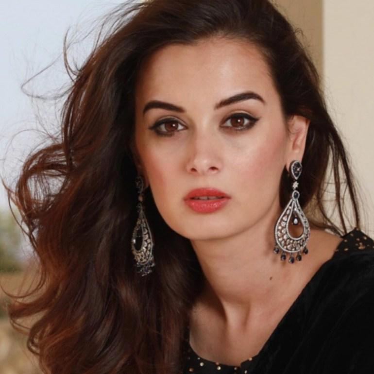 39+ Charming Photos of Evelyn Sharma 15