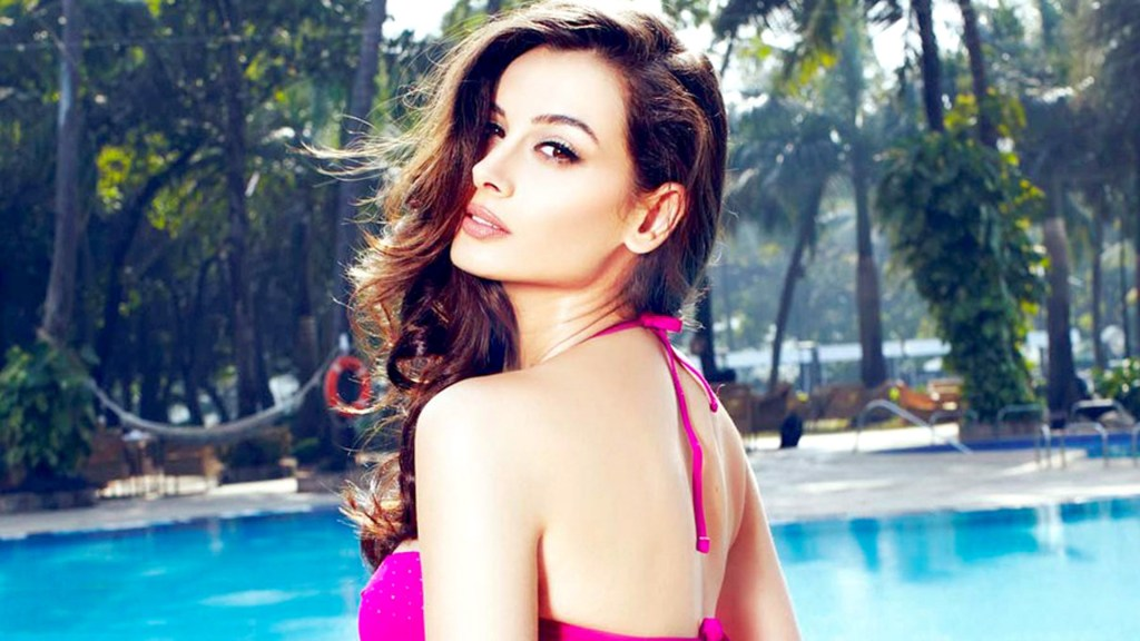 39+ Charming Photos of Evelyn Sharma 41