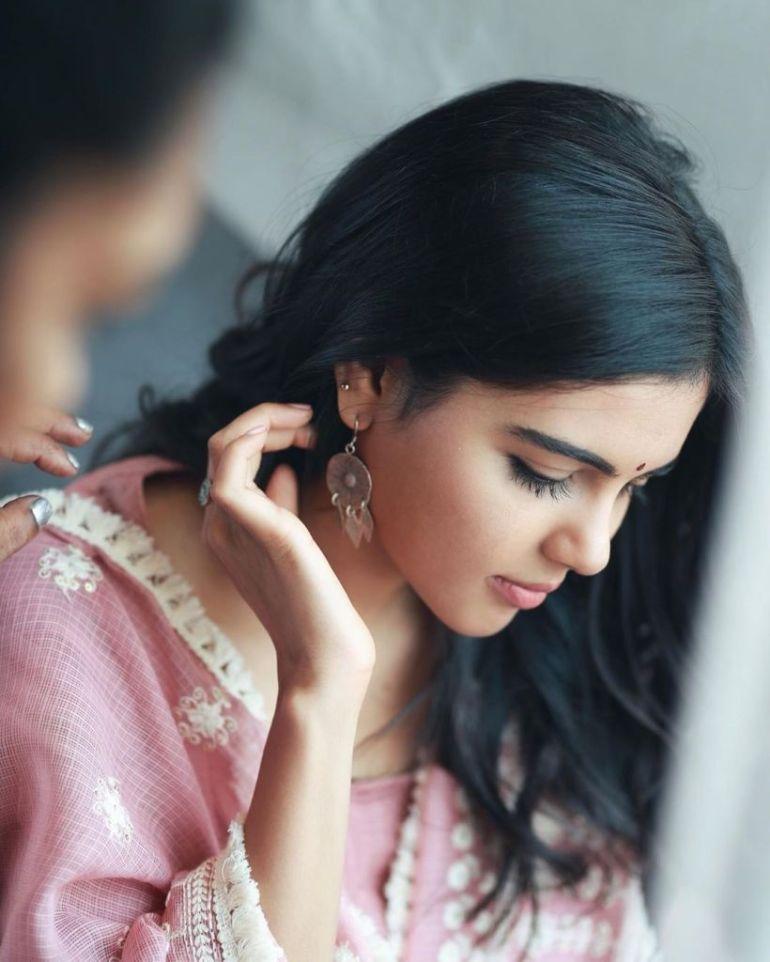 44+ Cute Photos of Kalyani Priyadarshan 32