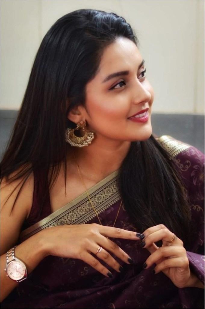 31 + Gorgeous Photos of Mahima Nambiar 22