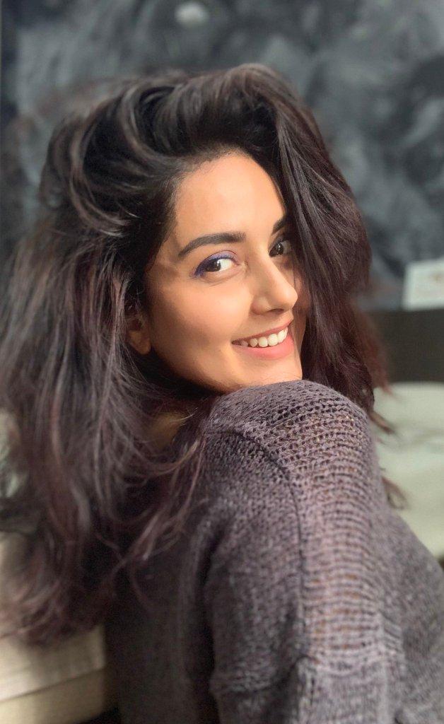 31 + Gorgeous Photos of Mahima Nambiar 113