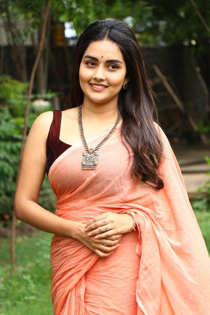 31 + Gorgeous Photos of Mahima Nambiar 32