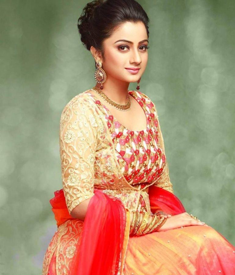 48+ Stunning Photos of Namitha Pramod 45