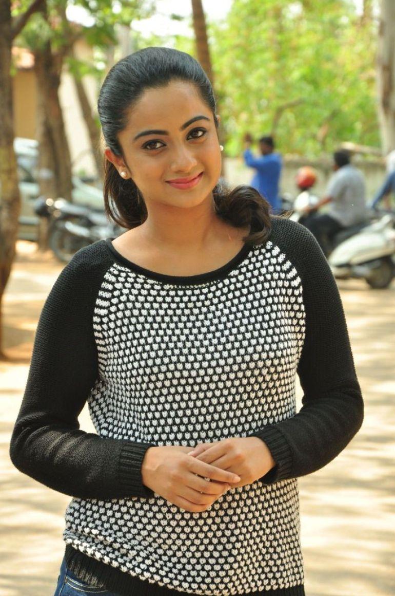 48+ Stunning Photos of Namitha Pramod 43