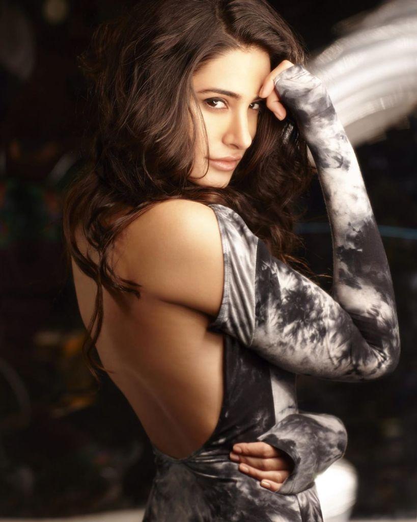 51+ Glamorous Photos of Nargis Fakhri 17