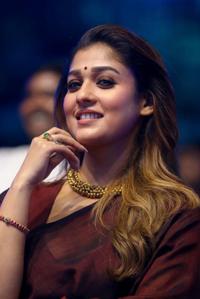 59+ Gorgeous Photos of Nayanthara 110