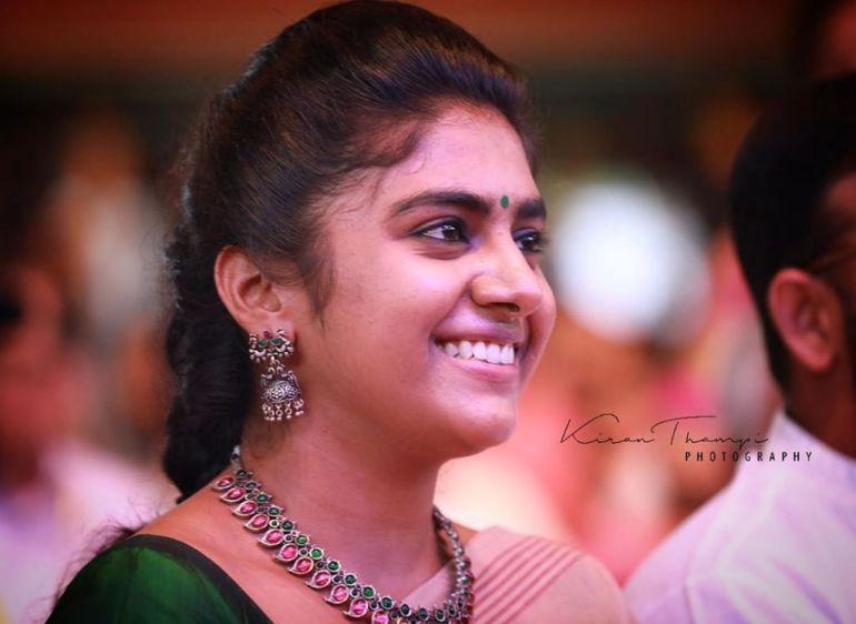 39+ Gorgeous Photos of Nimisha Sajayan 101