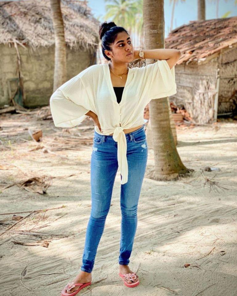 39+ Gorgeous Photos of Nimisha Sajayan 106