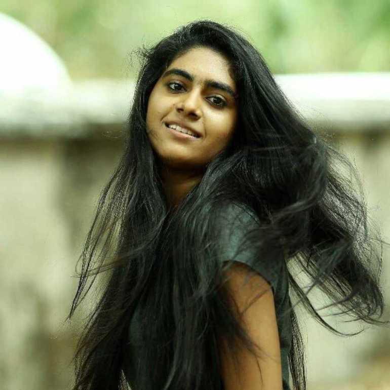 39+ Gorgeous Photos of Nimisha Sajayan 5