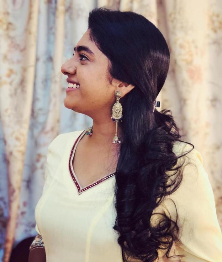 39+ Gorgeous Photos of Nimisha Sajayan 9