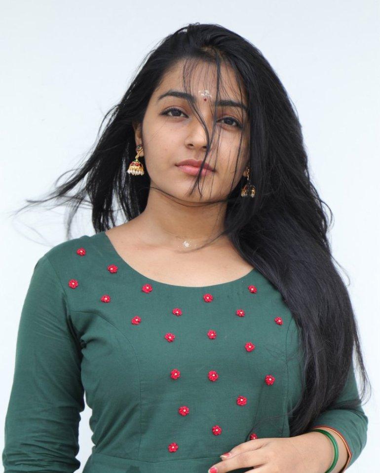 71+ Beautiful Photos of Rajisha Vijayan 12