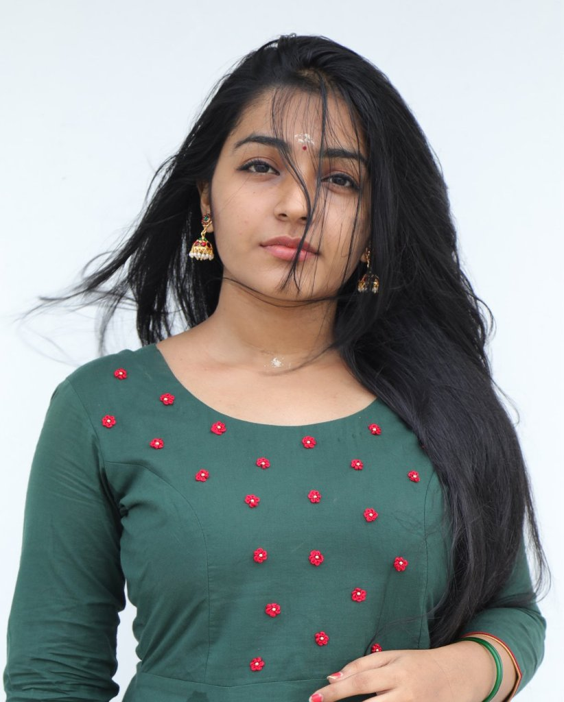 71+ Beautiful Photos of Rajisha Vijayan 13