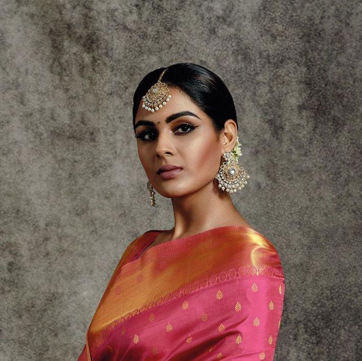 Samyuktha Menon Wiki, Age, Boyfriend, Movies, Family, Biography & Gorgeous Photos 18