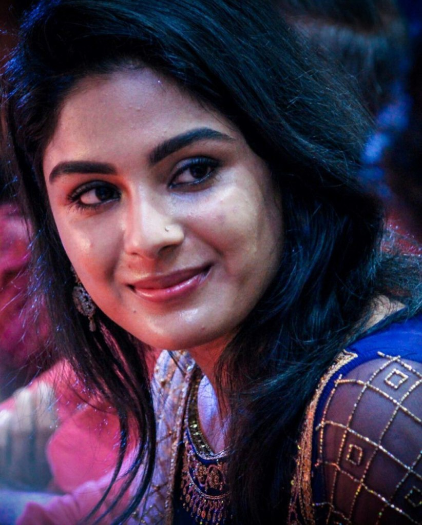 30+ Gorgeous Photos of Samyuktha Menon 25