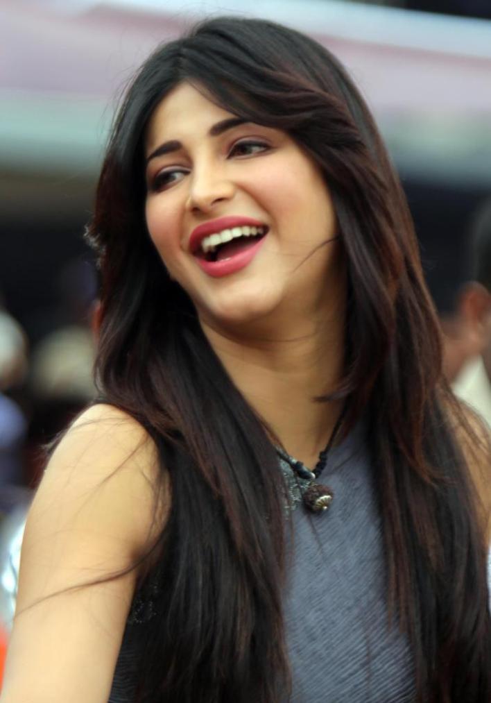 56+ Lovely Photos of Shruti Hassan 48
