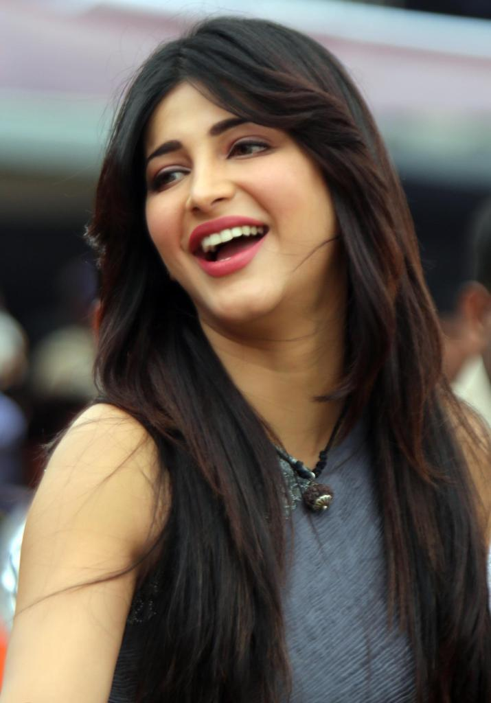 56+ Lovely Photos of Shruti Hassan 49