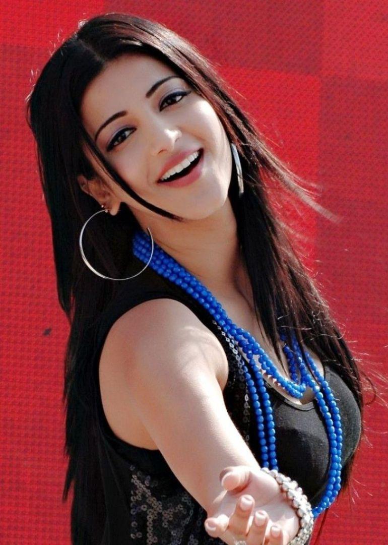56+ Lovely Photos of Shruti Hassan 134