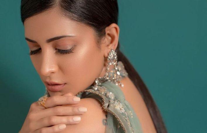 56+ Lovely Photos of Shruti Hassan 20