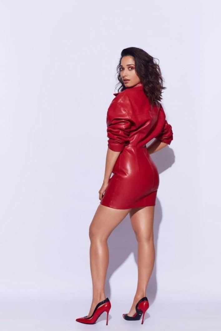 Tamanna Bhatia Wiki, Age, Biography, Movies, and Glamorous Photos 12