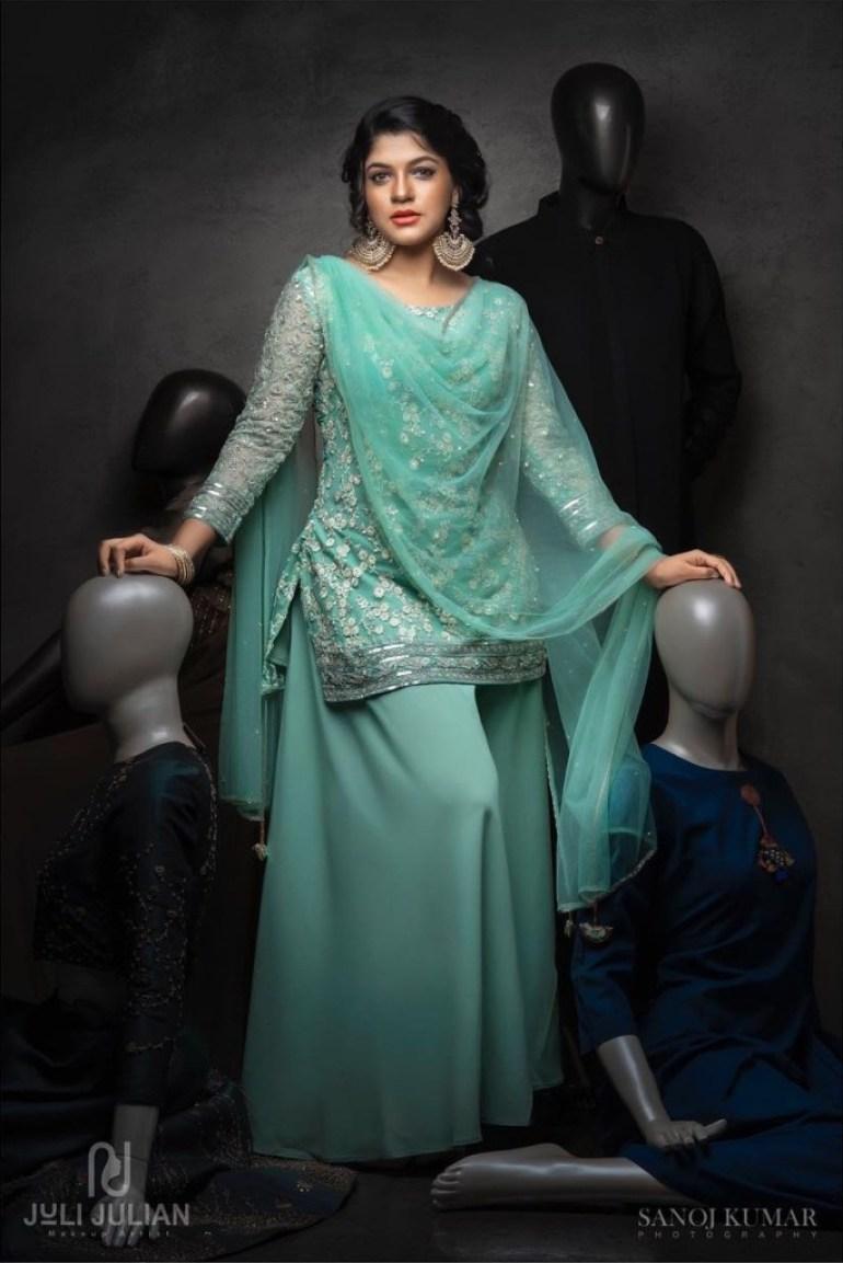 53+ Gorgeous Photos of Aparna Balamurali 14