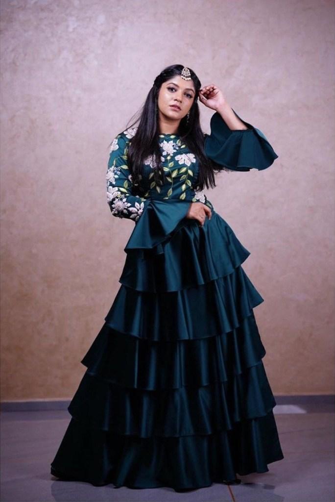 53+ Gorgeous Photos of Aparna Balamurali 19