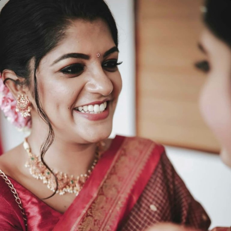 53+ Gorgeous Photos of Aparna Balamurali 104